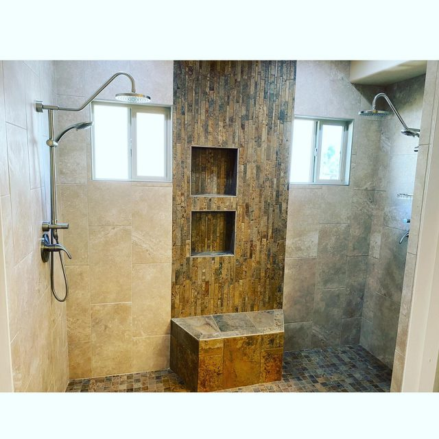 Take a look at this large walk-in shower! The dual shower heads make this bathroom look so dreamy! Not to mention those granite countertops 😍 #tucsonaz #bathroomdesign #bathroomremodel #homeremodel #residentialconstruction #familyowned