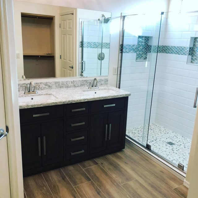 As promised, here are some final pictures from a Tucson, AZ bathroom remodel! So classy and modern!!   #bathroomdesign #bathroomremodel #tucson #arizona #familyowned #localbusiness #generalcontractor #homeremodeling #residential #residentialdesign