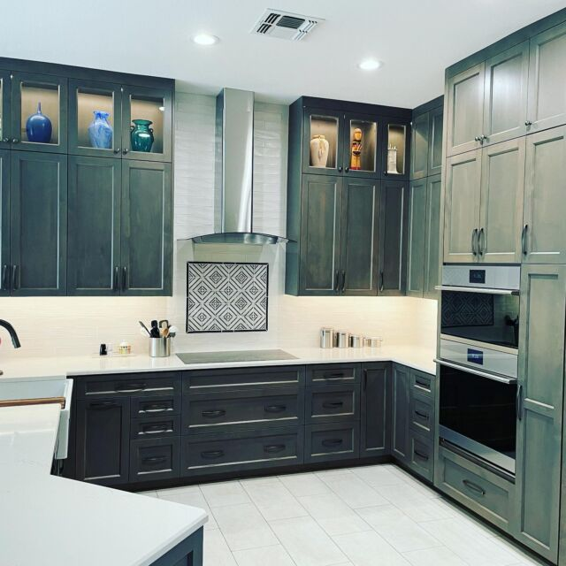 What does your dream kitchen look like? If you dream it, we can build it! 🛠💪 Swipe to see the before and after photos of this kitchen remodel in Marana, AZ!   #kitchendesign  #kitchenremodel #kitchencabinets #kitcheninspo #modernkitchen #maranatha #az #arizona #remodel #dreamhomes #dreambig #familyowned #localbusiness #construction